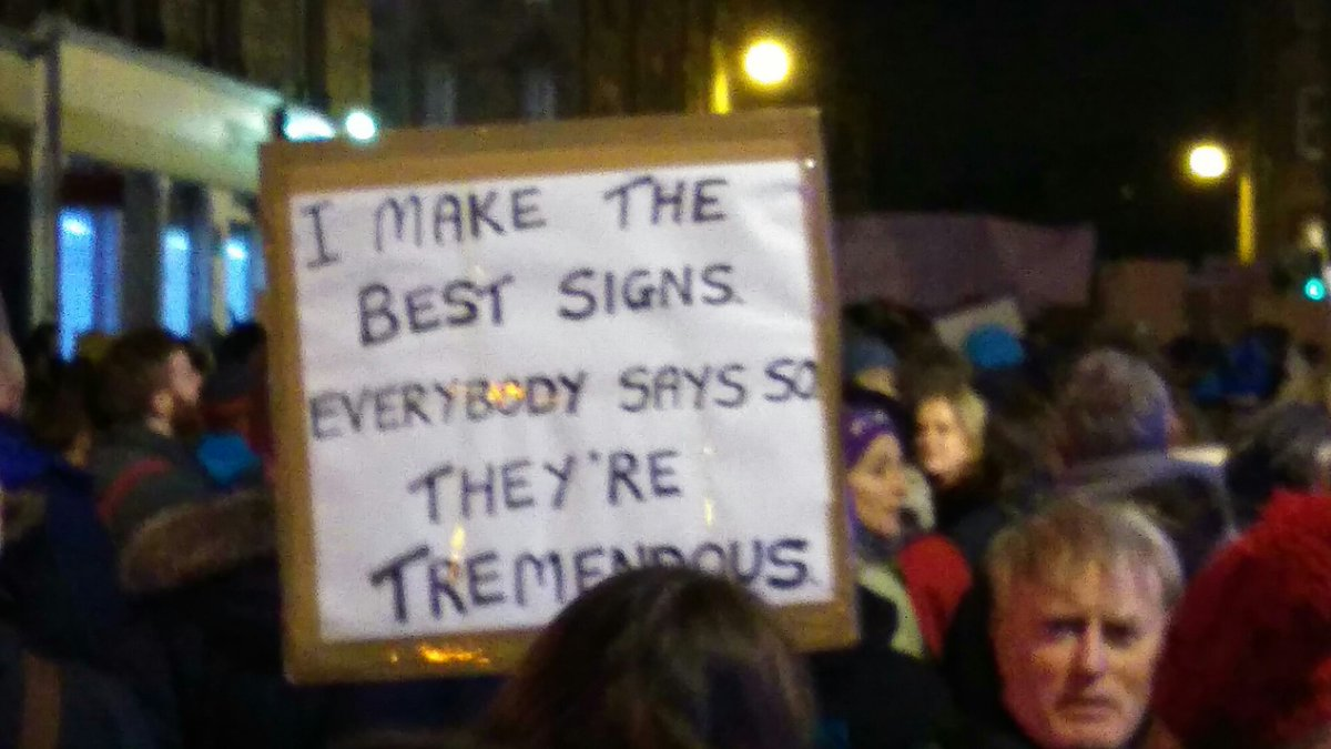 """Handwritten sign reading """"I make the best signs. Everybody says so. They're tremendous."""""""